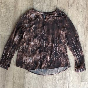 Tops - Business Animal Print Blouse With No Gap Closure